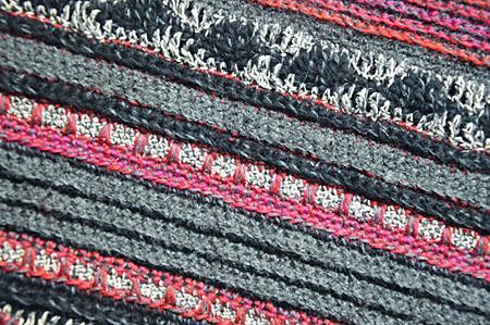 mannesjaals roodwitzwart en jeans 002