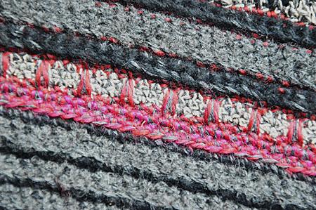 mannesjaals roodwitzwart en jeans 003