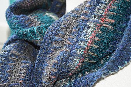 mannesjaals roodwitzwart en jeans 019